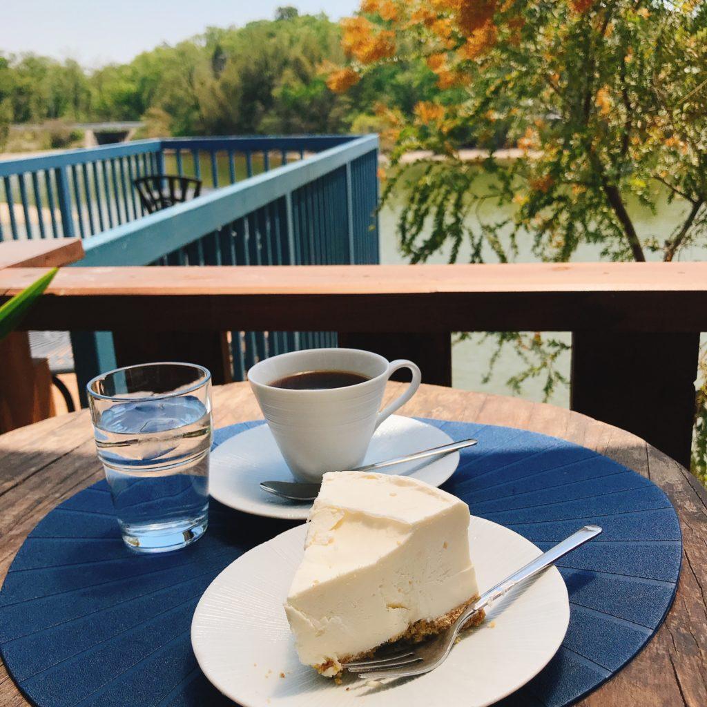 ほとり カフェ の 池